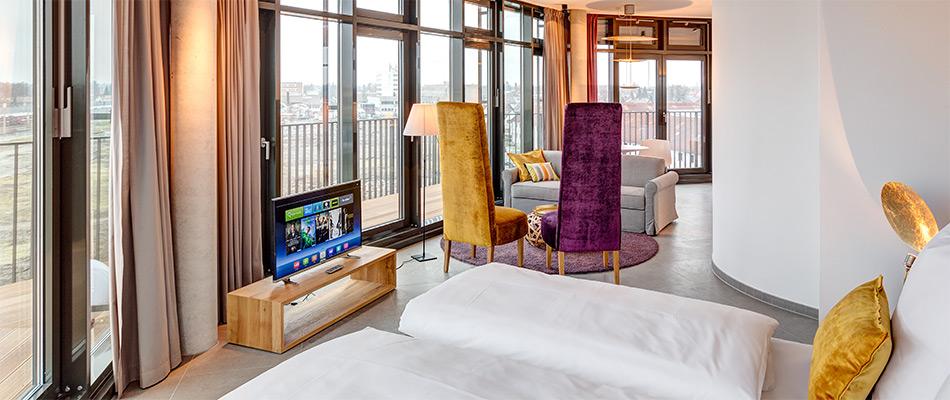 head-penthouse-suite-950x400